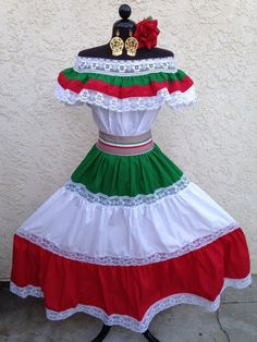BEAUTIFUL MEXICAN FIESTA, 5 DE MAYO OR WEDDING DRESS ! Feature includes an elastic neckline with ruffle and can be worn on or off shoulders. Strong elastic waist band and very full with alternates red, green, and white ruffles separated by white lace. | eBay!