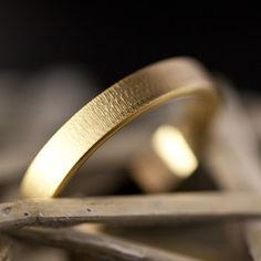 Anillos de boda de oro de 18 quilates de Argyor. Encuentra tus alianzas de boda en nuestro catálogo.