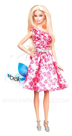 I just came across this beautiful doll while reading Sandra's The Doll Cafe Facebook group. I've never heard before of this chain of shops, Belk, so I was very surprised to see that that there's a Barbie doll created especially for them. And what a doll! Gorgeous in every way! I need her! ASAP! HERE