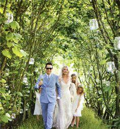super ideas for garden wedding groom mason jars Forest Wedding, Woodland Wedding, Garden Wedding, Dream Wedding, Perfect Wedding, Church Wedding Flowers, Wedding Bells, Rustic Bohemian Wedding, Kate Moss Style
