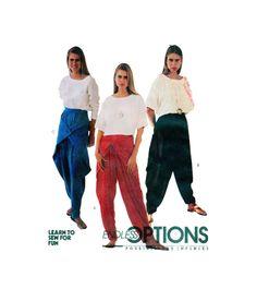 Womens Harem, Parachute Pants & Top McCalls 4900 Sewing Pattern Elastic Waist Loose Fitting Aladdin, Baggy Dance Wear Size 6-8 UNCUT par FindCraftyPatterns sur Etsy https://www.etsy.com/fr/listing/254539058/womens-harem-parachute-pants-top-mccalls