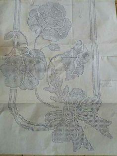 Crochet Tablecloth Pattern, Crochet Doily Patterns, Crochet Doilies, Crochet Flowers, Crochet Lace, Creative Bookshelves, Crochet Flower Tutorial, Patterns In Nature, Chrochet