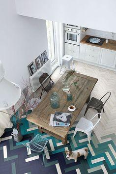 Para inspirar os moradores que estão reformando ou construindo, separamos 12 ambientes com piso espinha de peixe. Aprenda a diferença entre o chevron