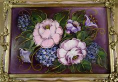 Bandeja con flores pintadas por Silvia Mongelos