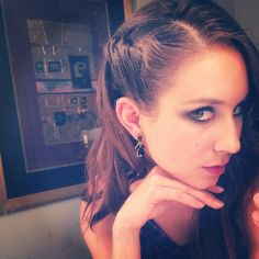 Troian Bellisario's hair and makeup are on point. | Pretty Little Liars
