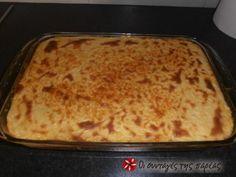 Το γνωστό παραδοσιακό παστίτσιο δια χειρός Άκη Πετρετζίκη. Είναι πραγματικά το πιο νόστιμο παστίτσιο που έχω φτιάξει ποτέ. Η συνταγή είναι από το site του Mega αλλά θεώρησα ότι πρέπει να υπάρχει και εδώ, οπότε voilà!!! Cookbook Recipes, Sweets Recipes, Cooking Recipes, Healthy Recipes, Pasta, Beef Tenderloin, Greek Recipes, Main Dishes, Favorite Recipes