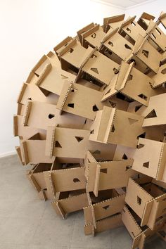 País Vasco: estudiantes construyen pabellón de cartón en base al diseño paramétrico Cardboard Model, Cardboard Design, Cardboard Paper, Cardboard Furniture, Paper Design, Cardboard Crafts, Pavilion Architecture, Architecture Design, Paper Architecture