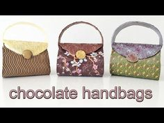 Chocolate Handbags - How To Cook That Ann Reardon Louis Vuitton - What could be better than a purse made of chocolate and stuffed with chocolate candies. Looks like fun to make too. Chocolate Lego, Chocolate Lollies, Chocolate Dipped Fruit, Chocolate World, I Love Chocolate, Modeling Chocolate, Chocolate Desserts, Homemade Chocolate, Gourmet Gifts