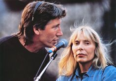 "Roger Waters (Pink Floyd) and Joni Mitchell who sang ""Goodbye Blue Sky"" at 'The Wall' performance, Berlin David Gilmour, Music Icon, My Music, Pink Floyd Roger Waters, Musica Punk, Classic Image, Classic Rock, Odd Couples, Damsel In Distress"