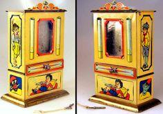Hartwig & Vogel chocolate cigarette dispenser and money bank