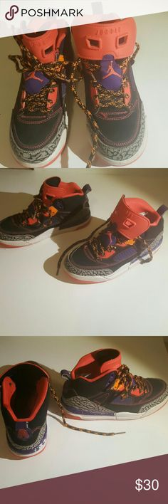 TODAY ONLY !! 2y jordan shoes Good but used condition. Could use some new shoe laces. Jordan Shoes Sneakers