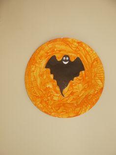Assiette en carton peinte pour décoration d'Halloween