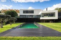 #AVendre Maison Proche mer #Sintra au #Portugal | Contemporary house #ForSale on www.meretdemeures.com in #Lisbon