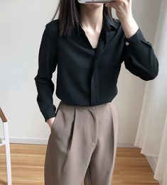 A Generation Of Women& Plain Colour Loose OL Lapel Long Sleeve Shirt Blouse Entity Mode Outfits, Korean Outfits, Fashion Outfits, Fashion Tips, Fashion Trends, Fashion Images, Office Outfits, Modest Fashion, Minimal Fashion