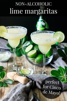 non alcoholic beverages This frozen virgin margarita recipe will have your guests at your next party asking for seconds! Make a big batch, as its refreshing taste is perfect for Non Alcoholic Margarita, Virgin Margarita, Lime Margarita Recipe, Non Alcoholic Cocktails, Drinks Alcohol Recipes, Margarita Recipes, Alcoholic Desserts, Punch Recipes, Alcoholic Drink Recipes