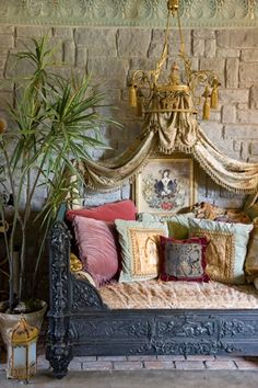 10 unusual couch ideas - Regal day-bed