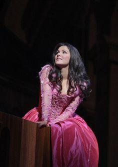 Anna Netrebko as the Metropolitan Opera's Juliet | Ken Howard