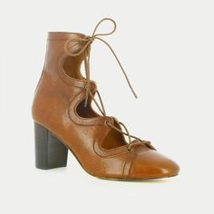 Sandales à lacets en cuir cognac