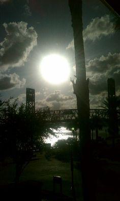 Sun @ 5pm
