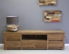 Dit meubel is gemaakt van geborsteld teakhout. Door deze afwerking komt nog meer de natuurlijke uitstraling van het teak na voren. Cabinet, Storage, Furniture, Home Decor, Clothes Stand, Purse Storage, Decoration Home, Room Decor, Closet