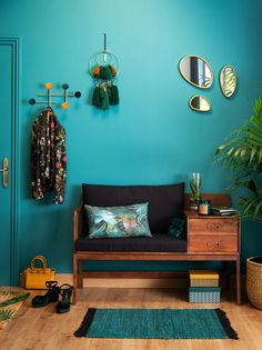 Solid Acacia Vintage Entryway Bench Yucca on Maisons du Monde. Take your pick from our furniture and accessories and be inspired! Interior Design Tips, Home Interior, Indian Interior Design, Bedroom Decor, Wall Decor, Printed Cushions, Home Goods, Furniture Design, Sweet Home