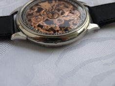 """30 Doxa - mannen skelet huwelijk watch - tussen 1929 en 1930  Zwitserse horloge door Doxa dit horloge is omgetoverd van gouden zakhorloge geproduceerd in Zwitserland in het jaar 1929-1930.MECHANISME: oorspronkelijke gemaakt door Doxa het mechanisme draaide op het mechanisme van skelet-verguld na een herziening van de horlogemaker schoon op beweging in zeer goede staat het unieke ontwerp en het unieke model van het mechanisme op 15 stenen bedrijf handtekening: """"Doxa"""" u het horloge dat u de…"""