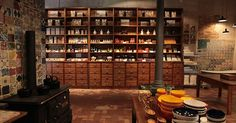 This is a shop where you will find objects quite different from those that you find in all other gift shops settled in tourist zones. A Vida Portuguesa (Portuguese Life) started in Chiado (Rua ...