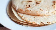 Kukuřičná tortilla (Mexiko) | foodnotes.cz Tortillas, Bread, Breakfast, Ethnic Recipes, Food, Mexico, Mince Pies, Morning Coffee, Breads