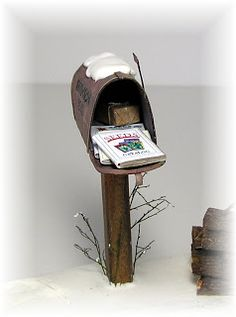 DYI DOLLHOUSE MINIATURES don't forget the mailbox and mail!