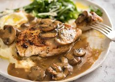 Food And Drink, Pork, Cooking Recipes, Chicken, Meat, Sauce Crémeuse, Sauces, Projects, Mushroom Sauce