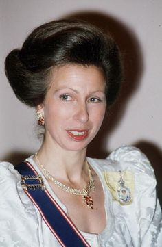 Princess Anne Attending The King Fahd Banquet At Claridges Hotel London The Princess Is Wearing The Royal Family Order Of Q Elizabeth II Pinned On A. Princess Elizabeth, Princess Margaret, Royal Princess, Elizabeth Ii, Prinz Philip, Edinburgh, Lady Ann, Gown Pictures, Royal Tiaras