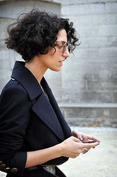 Yasmin Sewell's short haircut for curly hair. Description from pinterest.com. I searched for this on bing.com/images