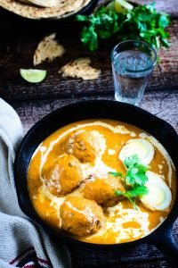 Egg Butter Masala / Eggs in a Rich and Buttery gravy - Video Recipe - Whisk Affair