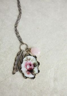 Garden view Indie pendant necklace