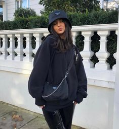 December 21 2019 at fashion-inspo Mode Outfits, Winter Outfits, Summer Outfits, Nike Sweat, Looks Rihanna, Outfits Damen, Urban Fashion, Fashion Fashion, Fashion Women