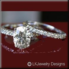 If Josh really does want to get me a new ring I would love this (: Hahah