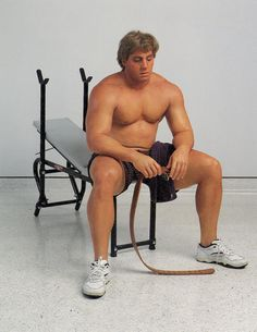 Sculptor Duane Hanson turned Middle America's stereotypes into something unique… http://www.we-heart.com/2014/10/30/duane-hanson-reality-check-sothebys-london/