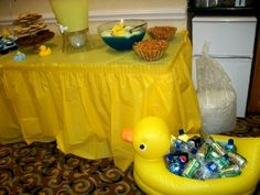 Duck floaty for drinks