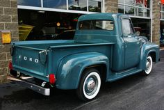 1954 Ford pick-up.