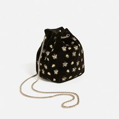 Image 3 of EMBROIDERED BEES BUCKET BAG from Zara