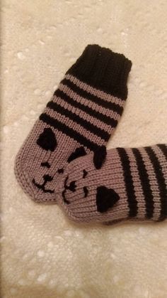 Knitted Mittens Pattern, Knitted Cat, Crochet Mittens, Crochet Baby Booties, Finger Knitting, Hand Knitting, Knitting Designs, Knitting Projects, Baby Mittens