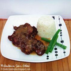 Uma receita tradicional mas muito saborosa e que encanta qualquer convidado. Simples de fazer e fica ótimo acompanhado de arroz branco e bat...