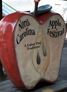 Apple Harvest Festival - Main Street in Hendersonville, NC ... a long-time Labor Day weekend tradition in NC's apple country ... close to Asheville to the south; exit from I-26 to Hendersonville.