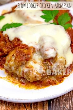Everyone's favorite Italian dish, chicken parmesan, adapted for the slow cooker. Uses a convenience ingredient that is the secret to it's juicy success! This is a one of those dinners the Crock Pot Slow Cooker, Crock Pot Cooking, Slow Cooker Chicken, Slow Cooker Recipes, Crockpot Recipes, Chicken Recipes, Cooking Recipes, Healthy Recipes, Crockpot Meat