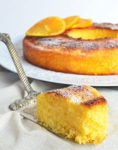 This orange sponge cake is delicious to accompany with a good tea, also as a dessert. It is soft, with an aerated mass therefore very spongy and not heavy. Food Cakes, Cupcake Cakes, Cake Cookies, Cupcakes, Pan Dulce, Bon Dessert, Dessert Recipes, Tortas Light, Orange Sponge Cake