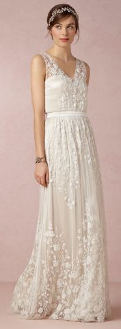 GORG!  embroidered silk wedding gown / dress... floor length - love!