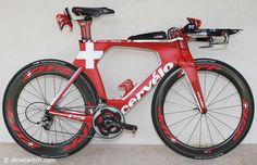 Caroline Steffen rides a 56cm Cervelo P5 and the paint scheme came from Cervélo graphic designer Tom Briggs.