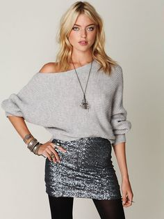 So loving this gunmetal sequined skirt with a sexy yet casual off the shoulder sweater! Silver (but matte)chunky bracelets add just enough accesorizing without overdoing the shine! [Free People Easy Days Off the Shoulder Sweater] Sequin Skirt Outfit, Silver Sequin Skirt, Sequin Mini Skirts, Winter Skirt Outfit, Sequined Skirt, Metallic Skirt, New Years Outfit, New Years Eve Outfits, Nye Outfits