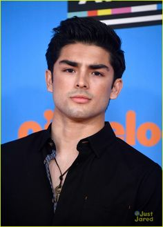 Diego Tinoco/Cesar Diaz/On My Block/Netflix Series Movies, Tv Series, Netflix, Just Beautiful Men, Beautiful People, Cute Actors, Old Shows, Perfect Eyebrows, S Pic