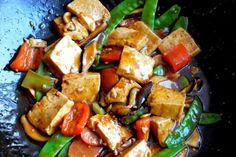 Wok con tofu y vegetales / Platos principales / HazteVeg.com
